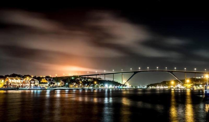Queen Juliana bridge at night.