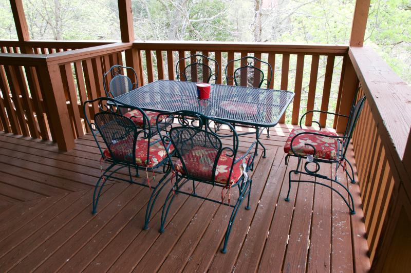 Eat dinner on the deck or just sit and enjoy the gentle lake breezes