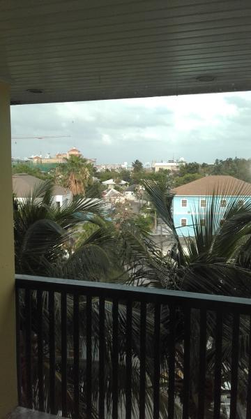 vistas desde el balcón, mirando hacia el Este