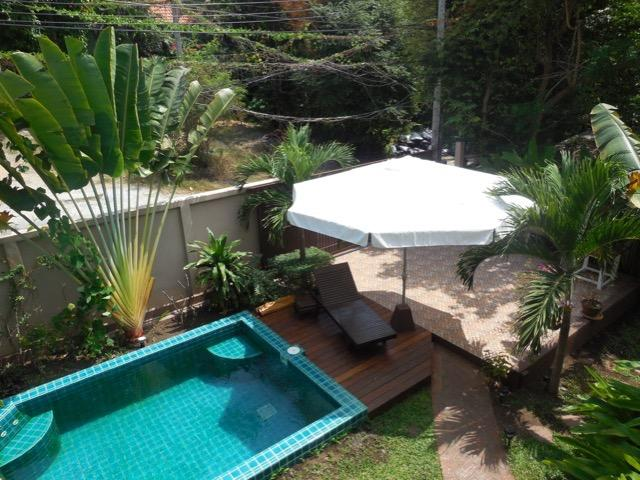 Tropical Two Bed House with Private Pool, holiday rental in Maret