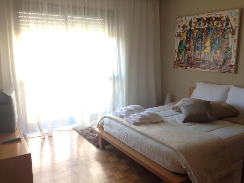 Apart Alf - 3 rooms apartment with parking, Ferienwohnung in Vila Nova de Gaia