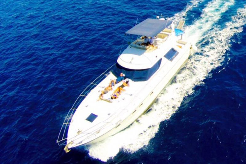 An 18 m long yacht, designed with 3 luxurious cabi, alquiler de vacaciones en Eilat