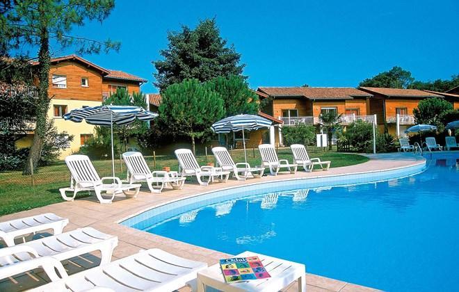 Joli appartement 42m2 ** avec piscine chauffée 4 personnes., vacation rental in Capbreton
