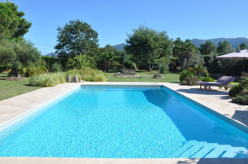 By Argeles-sur-Mer, Luxury Villa, Pool, 7000m2 gardens, near village and BEACHES, holiday rental in Pyrenees-Orientales