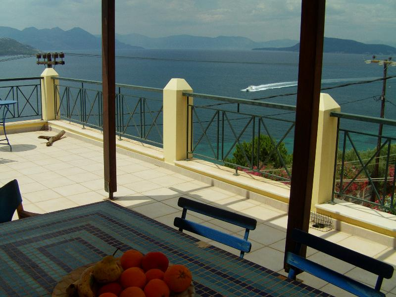 Dream terrace loft apartment Aegina marathwnas, holiday rental in Aegina