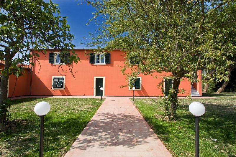 Apartment, vacation rental in Giucano