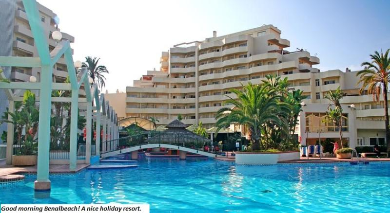 Benalbeach 1 b. charming apartment with sea views, WIFI & International TV., location de vacances à Arroyo de la Miel