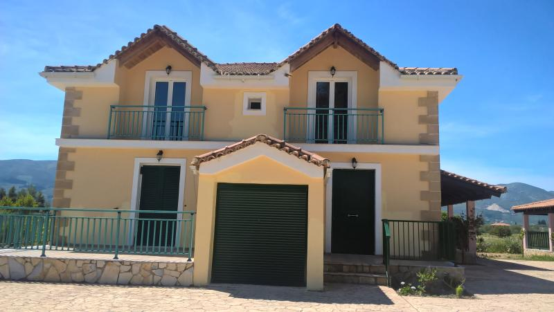 YANNIS COTTAGE AND VILLAS, holiday rental in Lagopodo