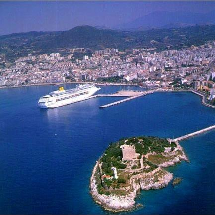 Beautiful port of kusadasi within 4km of villa.... Via excellent local buses , 200m  from villa