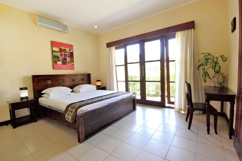 Medewi Bay Retreat - Threebedroom Villa, holiday rental in Jembrana
