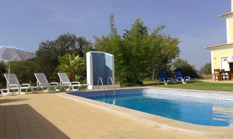 Casa dos Ventos B&B Violett Room, holiday rental in Pechao