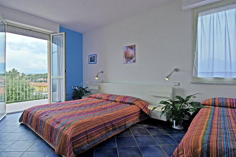 Bilocali 20 mt dal mare Marina di Pietrasanta, vacation rental in Marina di Pietrasanta