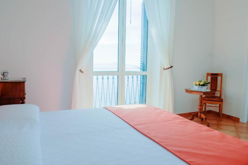 Vasca Da Bagno Amalfi Prezzo : Recensioni e foto per casa bettina amalfi coast con vista