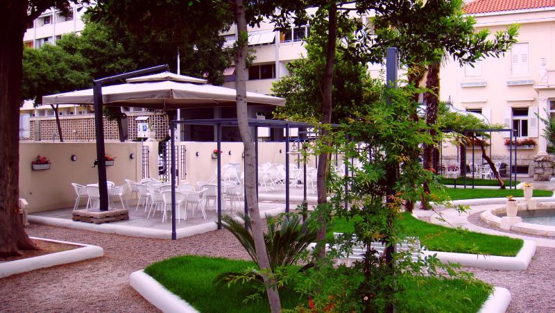 Garden with restaurant and a bar :)