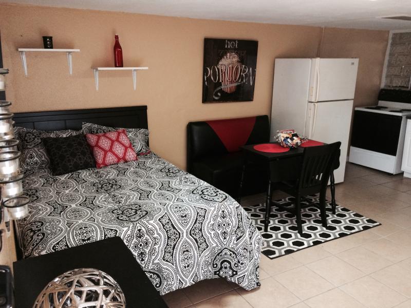 Villas at Woodlawn Lake S-3, vacation rental in San Antonio