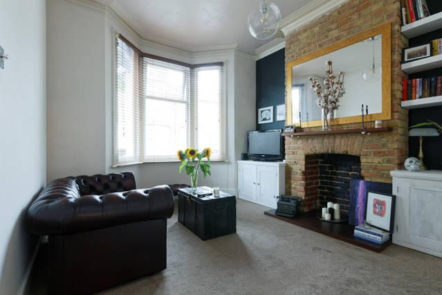 Spacious one bedroom flat with private garden