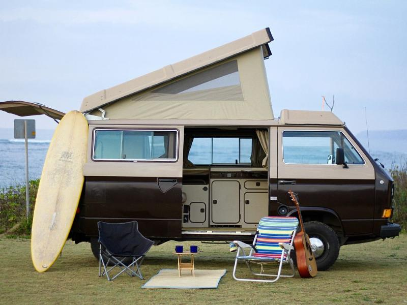 Vintage camper Surf Bus, holiday rental in Haleiwa