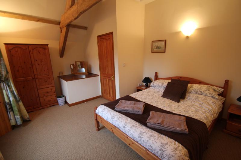 Beesknees bedroom
