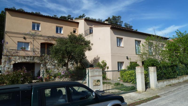 A6 Apartamento 1 habitación con jardin, holiday rental in Terrades