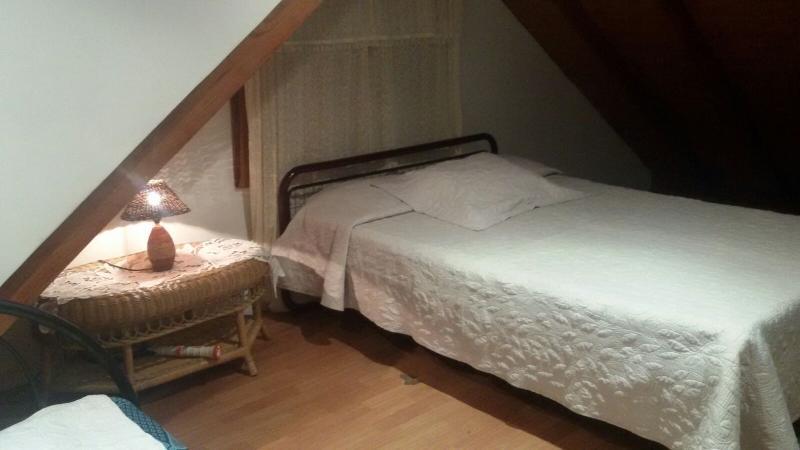 Dormitorio posada de los caracoles capacidad 1 a 4 personas en 2 camas dobles o 1 doble y 2 sencilla
