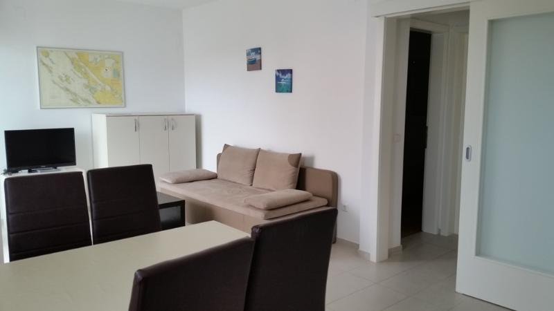 Island of Pag, Mandre, Apartment IN DOM,  no.4, vacation rental in Mandre