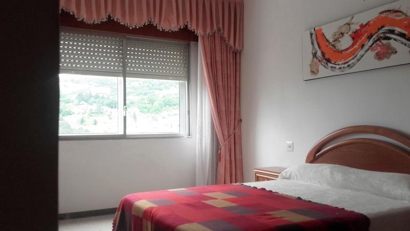 Dormitorio nº 1,foto 1, con vistas al Río Miño