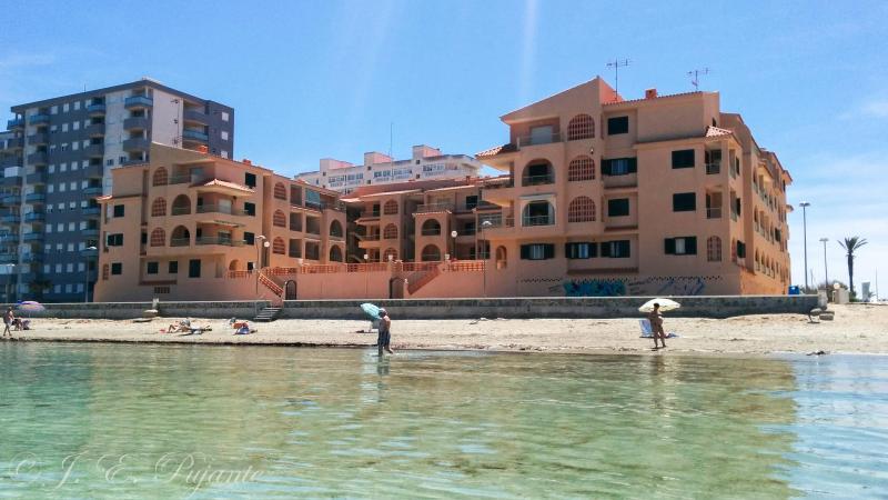 Piso en 1ª línea en La Manga del Mar Menor, location de vacances à La Manga del Mar Menor