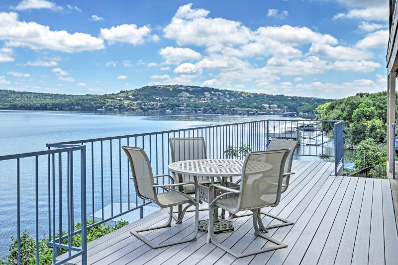 Enjoy marvelous views of Lake Travis from this phenomenal Spicewood vacation rental condo!