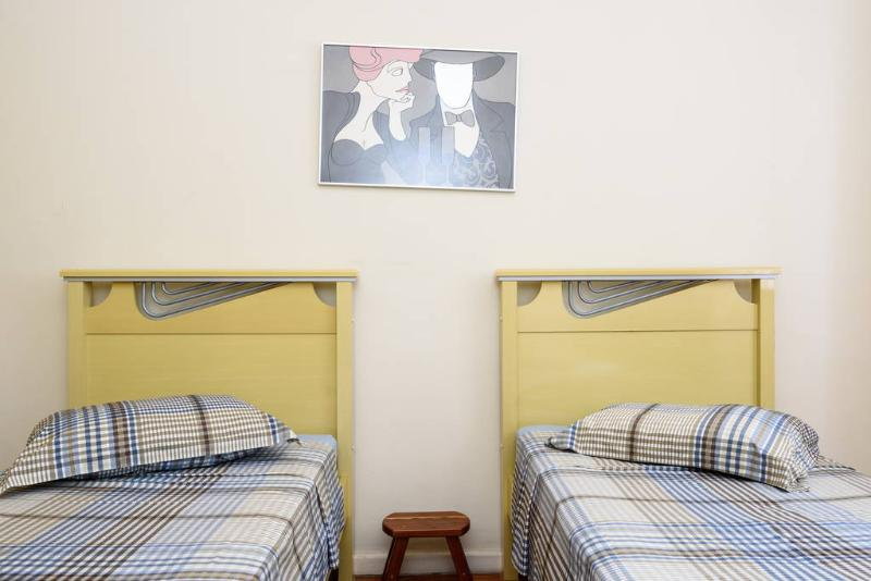 Bedroom 1 / Quarto 1