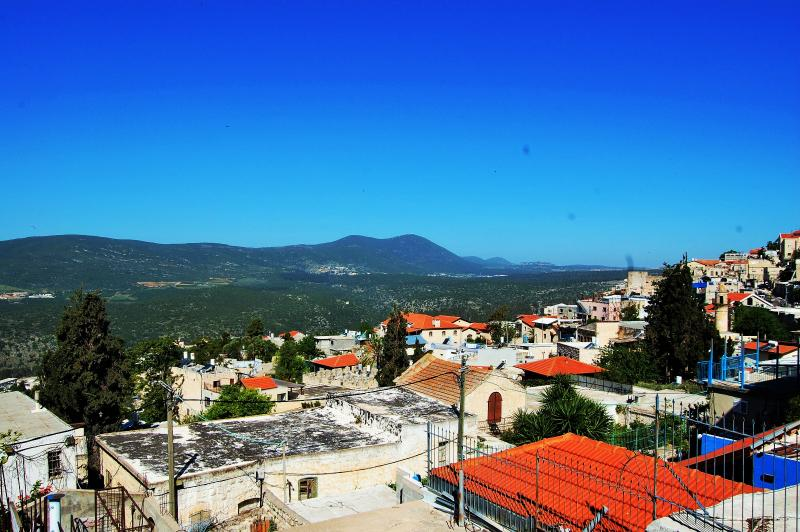 Charming Guest House Heart Safed &Artist Colony, holiday rental in Yesod Hamaala