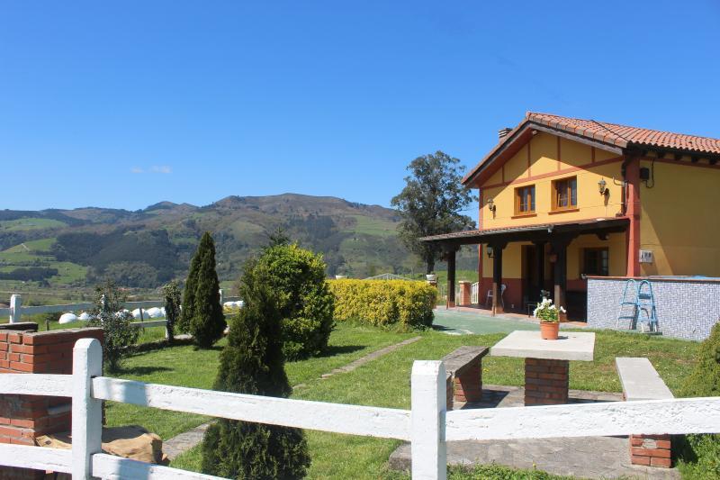 CASA RURAL LA CORONA. Registro: G10036 -Soto Iruz., casa vacanza a Santa Maria de Cayon