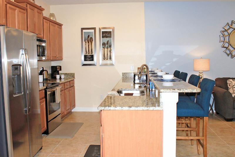Er zijn verbeteringen in deze keuken, die maken het gemakkelijk om maaltijden te bereiden.