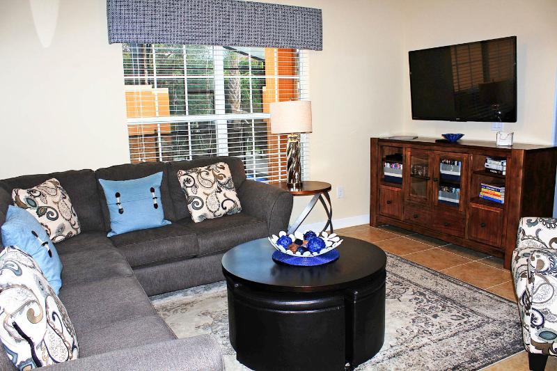 De banken en stoel zijn comfortabel, TV / DVD is wifi ingeschakeld, is er dvd's, boeken, spelletjes ... comfort!