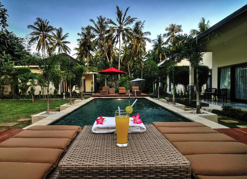 shu villa deluxe twin or double room, holiday rental in Kuta