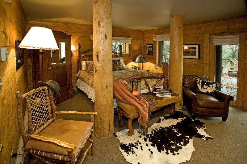 Mandan Cottage - Duplex de niveau inférieur. Terrasse avec bain à remous privé.