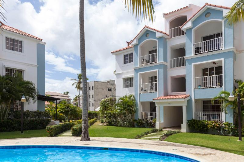 Mint Clean PH 2br2full wash-7walk min to the beach, vacation rental in Punta Cana