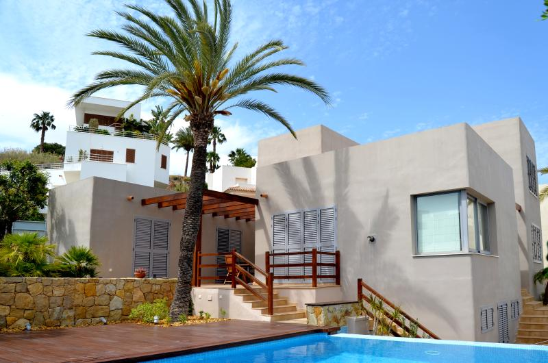 MEDITERRANEAN VILLA WITH POOL AND GARDEN, holiday rental in Mojacar