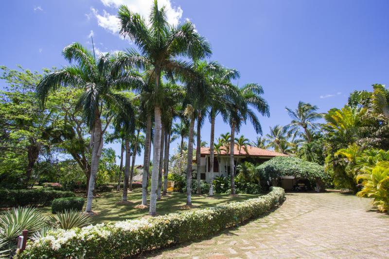 Entrance to the Villa Las Piñas