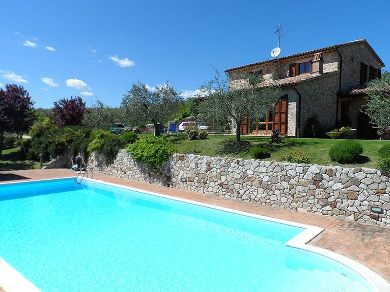 Villa Diana.Lovely house with private pool. Stunning view. Paeceful location., location de vacances à Civitella del Lago