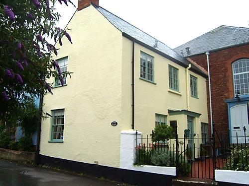 Chapel Cottage in Stogumber is a Grade ll listed 2 bedroom cottage that has recently been renovated.