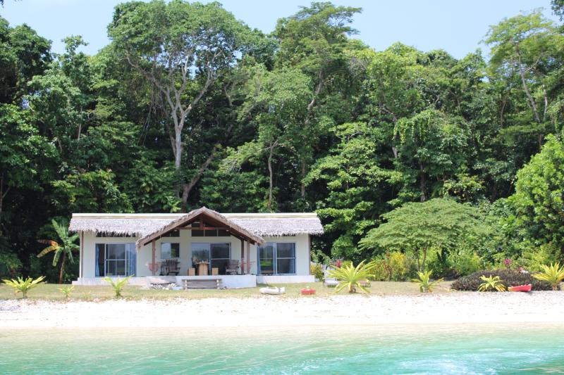 Malvanua Island Beach House, holiday rental in Vanuatu