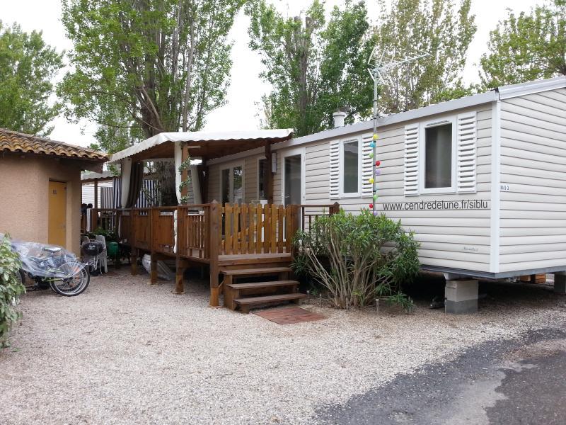 Mobil-Home tout confort La Carabasse bien situé, location de vacances à Vias