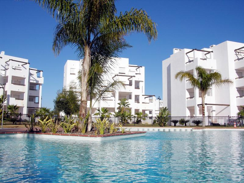 1st floor family apartment, pool views, parking, balcony, vacation rental in Balsicas