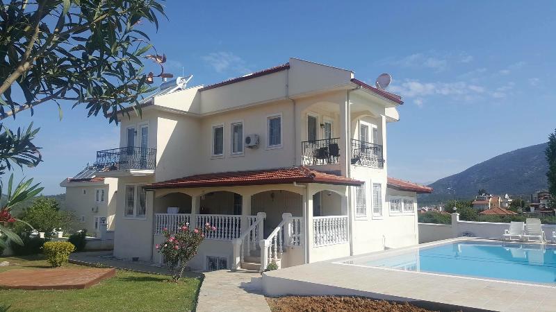 Pembe Apartment, Ovacik, Ferienwohnung in Ölüdeniz