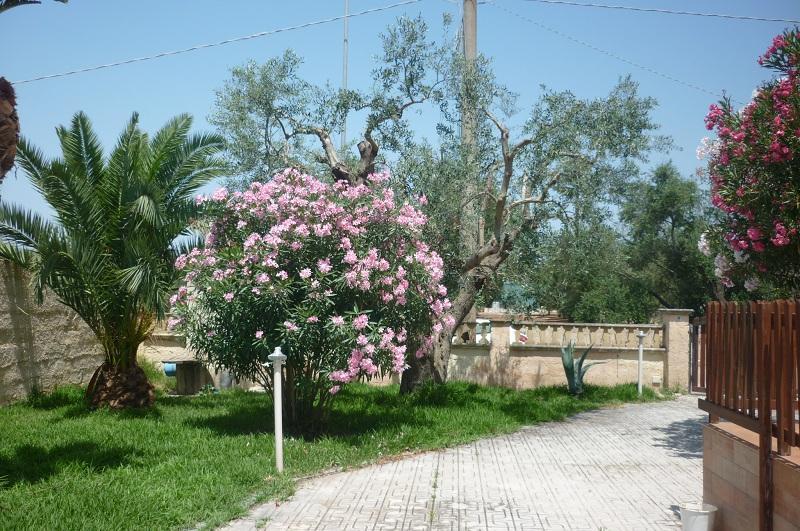 Villa Relax, holiday rental in Marina di Mancaversa