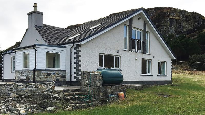 Beautiful holiday home with wonderful sea views, vacation rental in Lewis and Harris