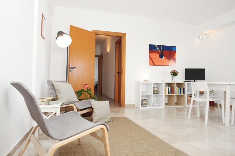 Sunny House - Holiday on The Beach, holiday rental in Erice