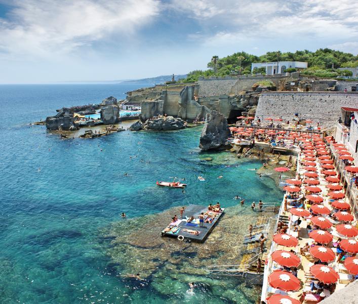 Una casa immersa nel verde a due passi dal mare, holiday rental in Santa Cesarea Terme