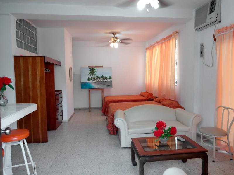 Best ApartHotel @ Best Price Apt #1, holiday rental in Atlantida Department