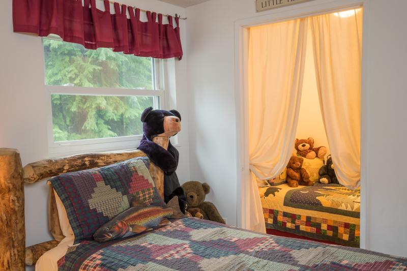 The Bunk Room has a twin bed in the corner 'Little Fish Room' - popular with both kids & adults!